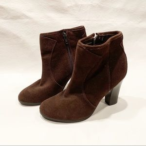 Liz & Co Brown Ankle Boots
